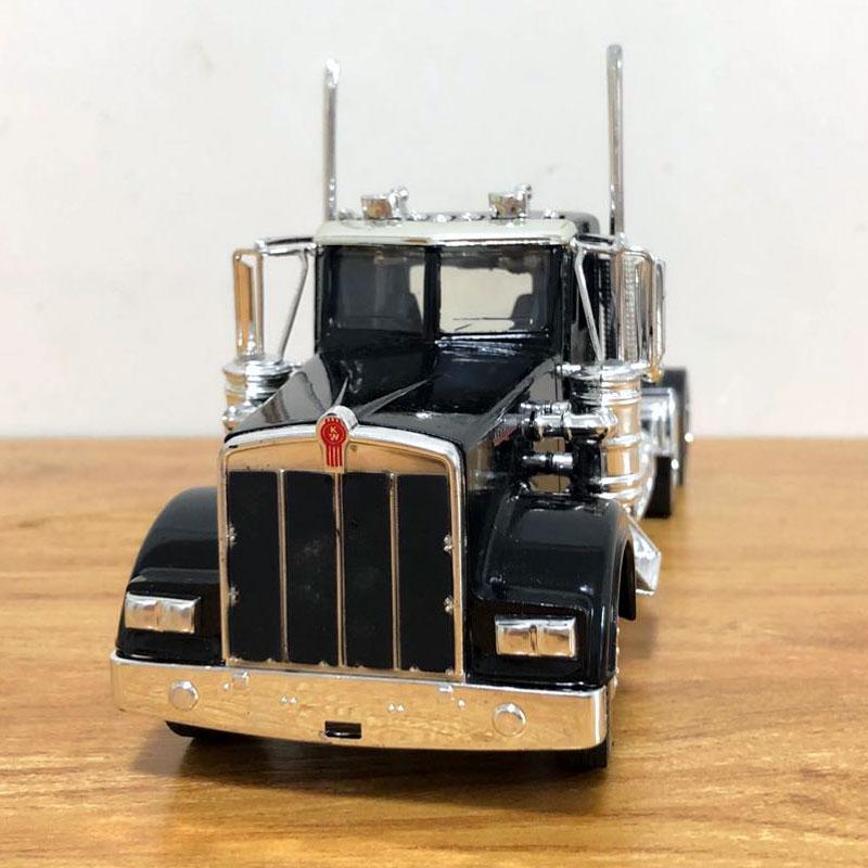 Peterbilt Truck (3)