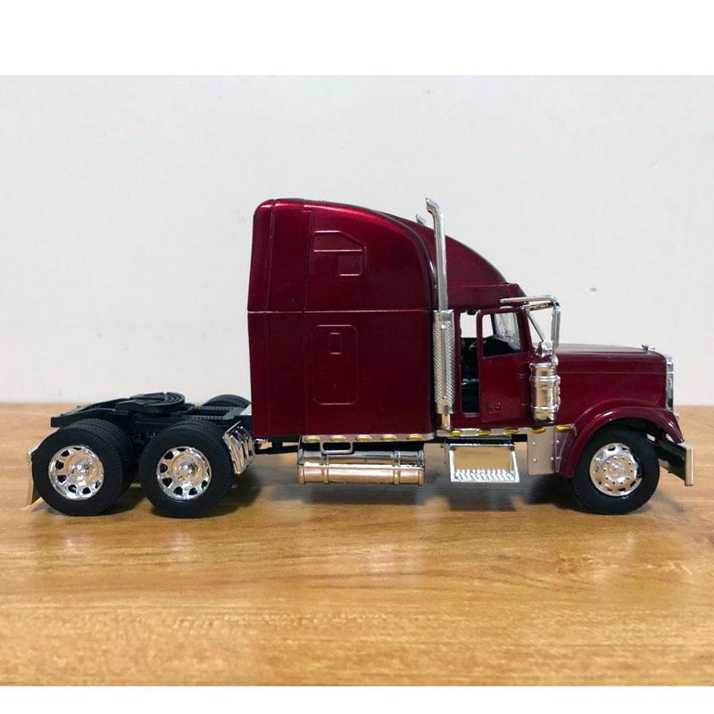 Freightliner Truck (6)