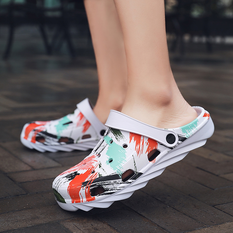 Women Men Summer Comfortable Casual Clogs Breathable Flats Lightweight Beach Sandals Outdoor Water Shoes Walking Slippers