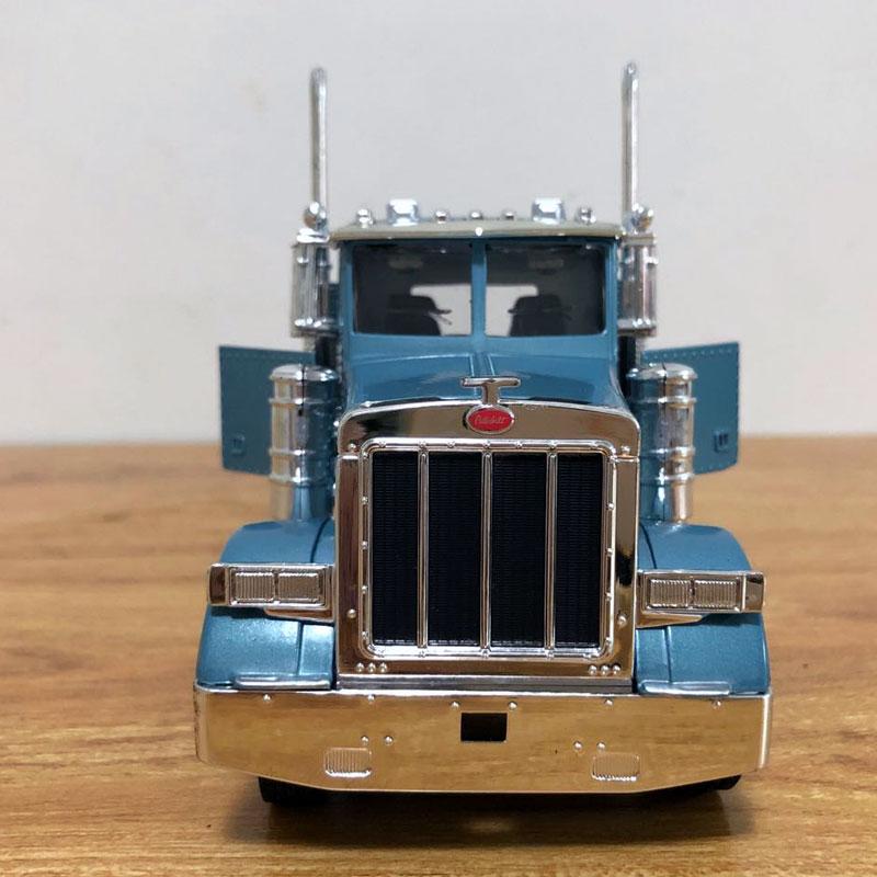 Peterbilt Truck (11)