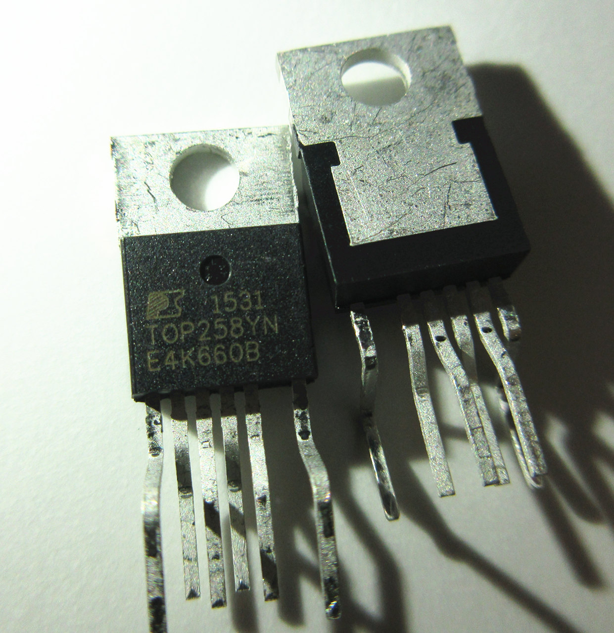 1pcs New TOP258YN TOP258 YN TO-220 TO220 Ic Chips Replacement