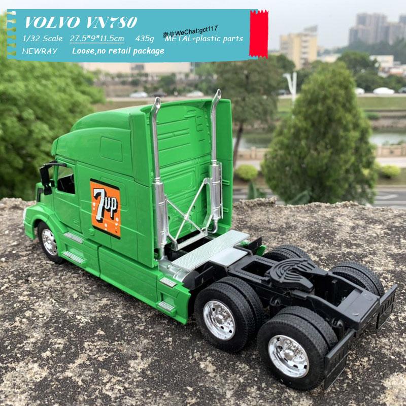 VOLVO VN780 Light green (6)
