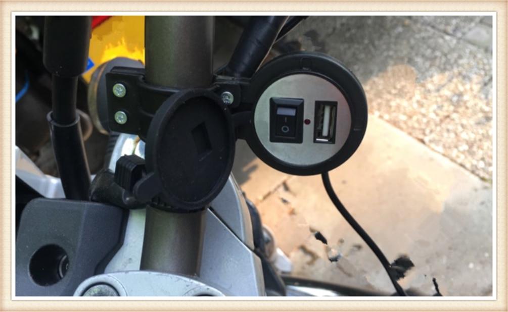 Universal motorcycle modified mobile phone USB charger with switch for SUZUKI SFV650 GLADIUS SV650 TL1000S 600 750 KATANA