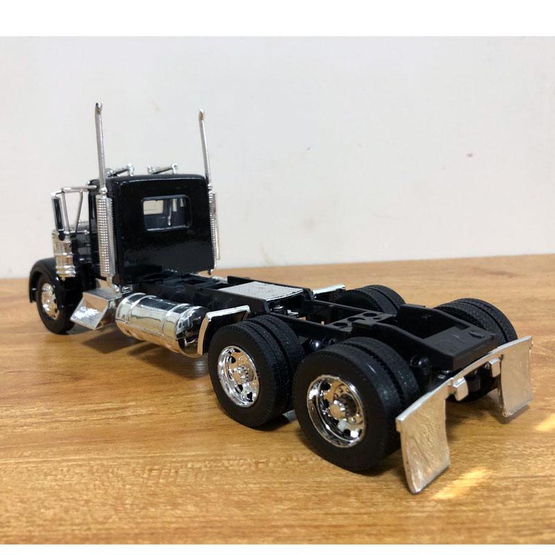 Peterbilt Truck (5)