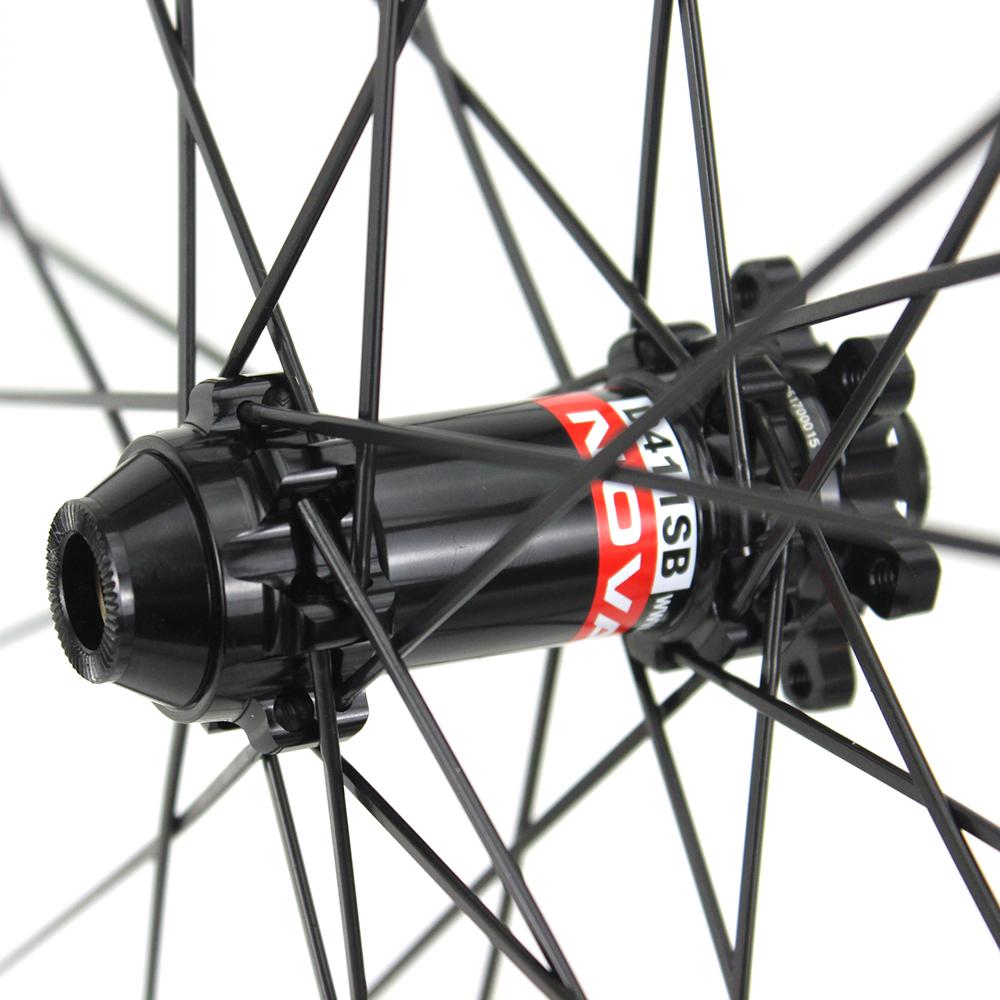 Chinese 700c Disc Brake Carbon bicycle racing wheels with NOVATEC D411SB hub