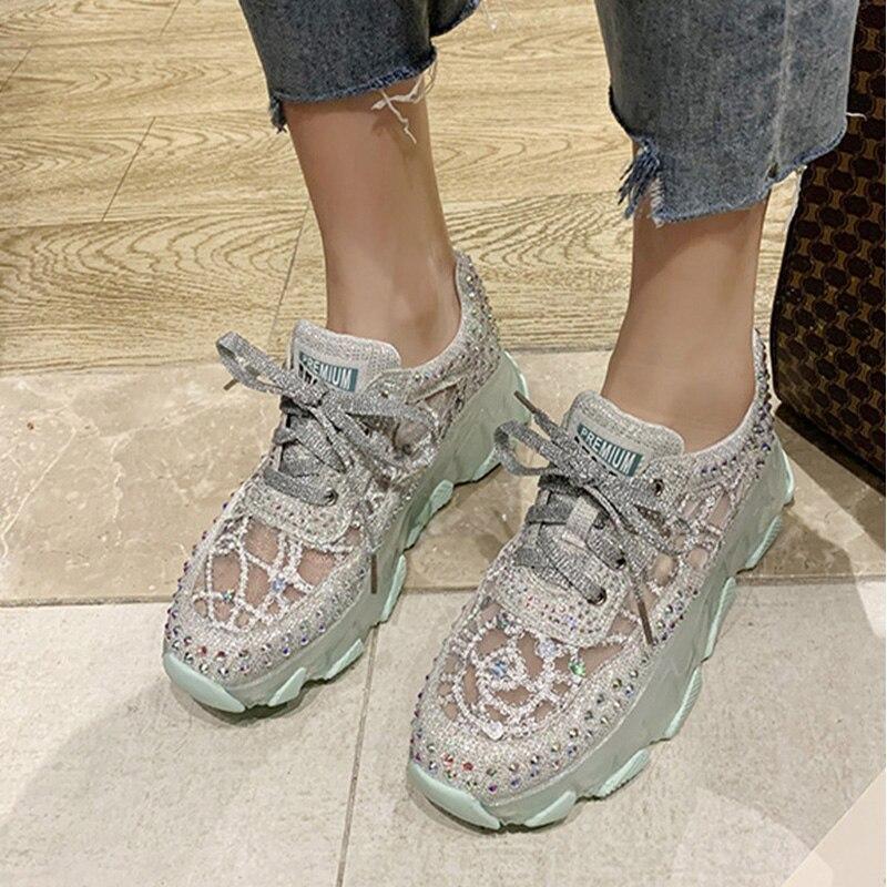 2020 Woman Sneakers Women Rivets Vulcanized Classic Lace Up Shoes Women