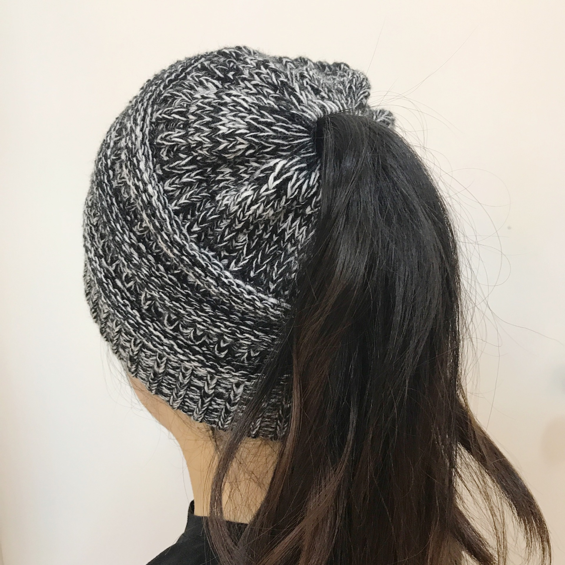 European and American Autumn and Winter Hats Knitted Horsetail Hats Women/'s Wool Caps