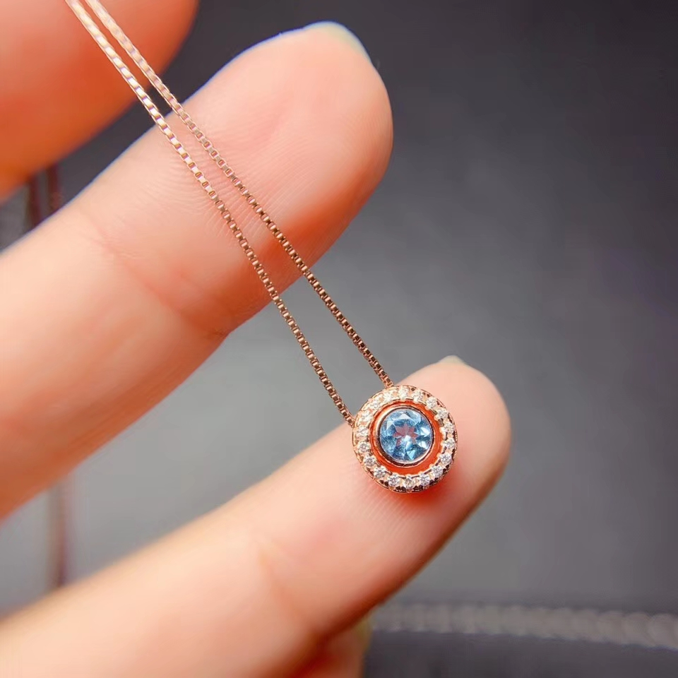 classic clear  blue topaz pendant for necklace women ornament natural gem ocean blue color birthday gift friend present round
