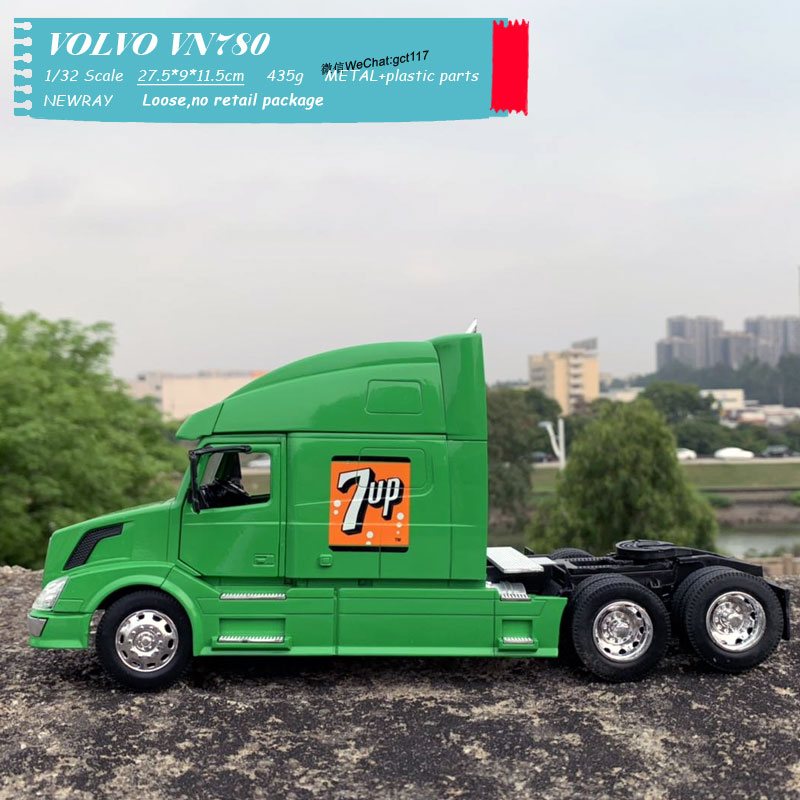 VOLVO VN780 Light green (4)