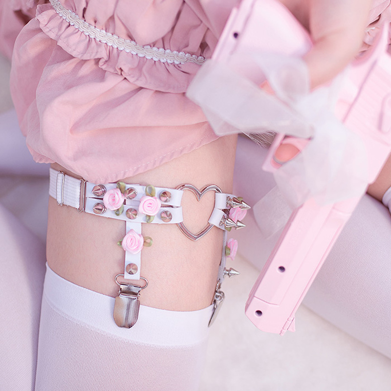 A Pair HEAVEN'S ROSE Punk Garter Belt Rivets Leg Ring Thigh Harness Heart Black PU Leather Vintage Suspenders Women Body Jewelry