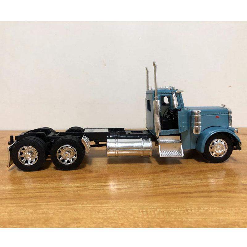 Peterbilt Truck (8)