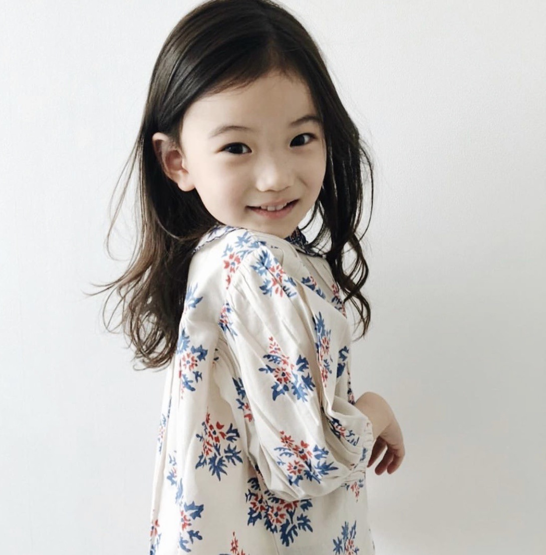 Pre-sale Ins Girl Blouse 2020 Summer New Bonj Same Girl Sweet Exquisite Embroidered Collar Bubble Sleeve Shirt Top