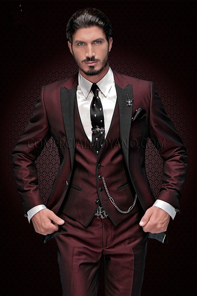 2020 New Arrival Groomsmen Peak Black Lapel Groom Tuxedos Burgundy Men Suits Wedding Best Man Blazer (Jacket+Pants+Vest)