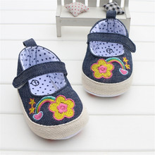 Summer Style Navy Blue Denim Jeans Baby Girl Shoes Embroidered Flower Infant Baby Shoes First Walker Soft Sole Pram Shoes 0-18M