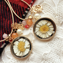 OMENGReal Dried Dry Daisy Flowers Floating Locket Necklace Round Resin Cabochon Living Pendant Glass Terrarium Accessories XL126
