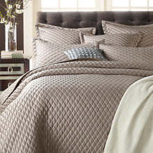 Noble and fashion 1* bedspread 2 *pillowcases simple style Quilt Set Queen Quilted 230x250cm(China)