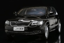 Diecast Car Model 1:18 Shanghai Volkswagen Skoda New Superb (Dark Brown) + SMALL GIFT!!!