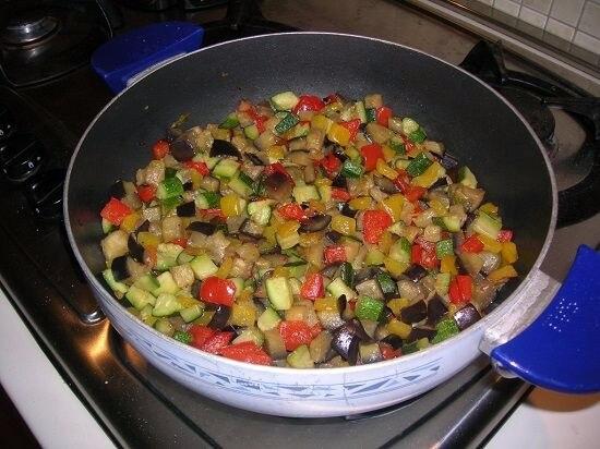 Как тушить овощи на сковороде