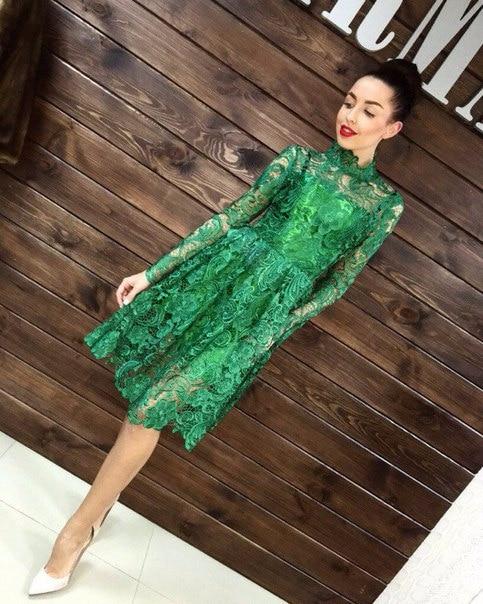 Платье из гипюра и кружева зеленое