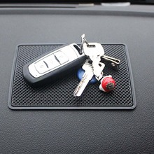 15x11cm Square Sticky Pad Car Dashboard Silicone Anti-slip Mat to Hold Mobile Phone Key Glasses