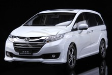 Diecast Car Model Honda Odyssey 1:18 (White) + SMALL GIFT!!!!!!