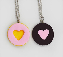 2pcs/set New Resin Black Chocolat Cookie Necklace Puzzle Food Design Men Women Best Friend BFF Forever Friendship Lover Gifts