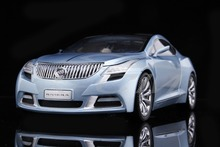 Diecast Car Model Buick Riviera Concept Car 1st Generation 1:18 (Ice Blue) + SMALL GIFT!
