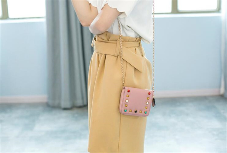 MJ Women Wallets Fashion Colorful Rivets PU Leather Zipper Coin Purse Card Holder Short Wallet with Chain Shoulder Strap (26)