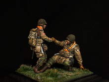 1/35 Resin Figure Model Kit WWII U.S. military airborne 2 figures Unassambled Unpainted(China)