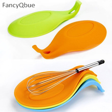 1Pcs Color Random Silicone Spoon Insulation Mat Heat Resistant Placemat Drink Glass Coaster Tray New Spoon Pad Kitchen Tool(China)