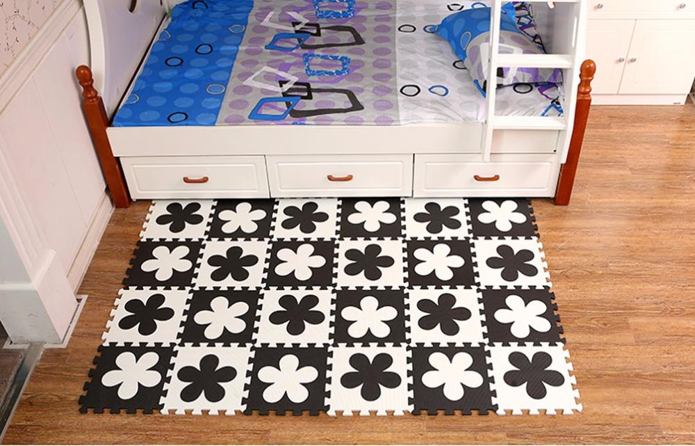 Black&White-Flower-