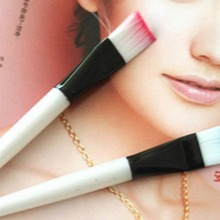 One Piece!!! New Style Mini Facial Eyes Makeup Brushes Color Randomly Delivered Professional Makeup Tool Brush(China)