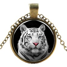 Popular Design Times Tigers Necklace for Women Good Price Sweater Accessories NL2115