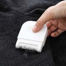 1 pc Sweater Clothes Shaver Mini Manual Portable Lint Remover Brush Hair Ball Scratch Cut(China)