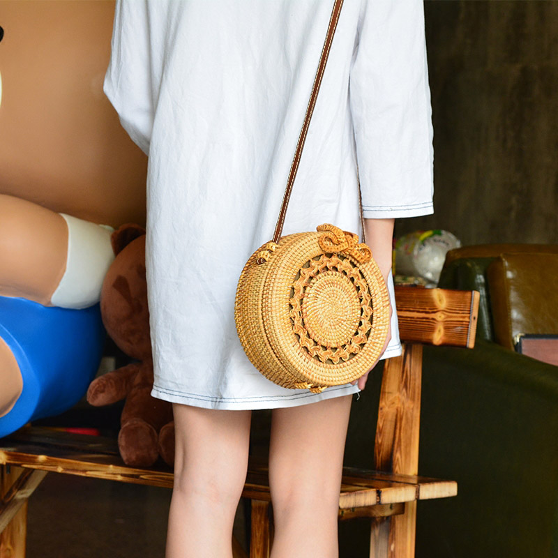 Women Straw Bags Female Round Beach Bag Knitted Lady Bohemian Vintage Rattan Shoulder Bag Handmade INS Popular Weave Bag SS3125 (7)