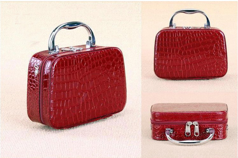 2017 fashion brand ladies cosmetic bag PU crocodile pattern pattern makeup case  portable cosmetic storage box beauty design box