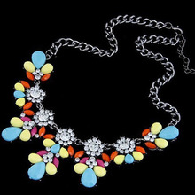 2017 New Fashion Fluorescent Color Super Good Texture Crystal Metal All-match Summer Short Acrylic Flower Necklace(China)