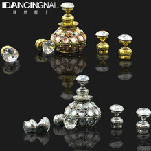 Magnetic Nail Tip Practice Stand Base Stuck Lotus Luxury Rhinestones Alloy Holder Luxury Salon DIY Manicure Accessories 2017 New(China)