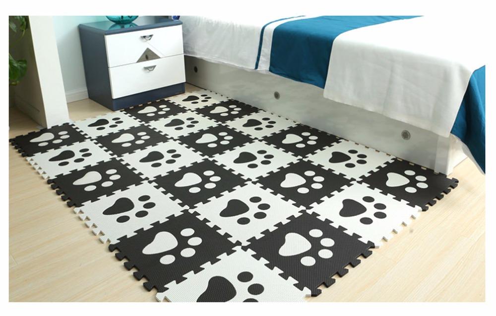 Black&White-Paws-1