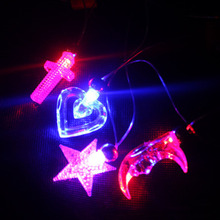 Color Randon New Led Flashing Pendants Necklace Party Glow Halloween Gift(China)