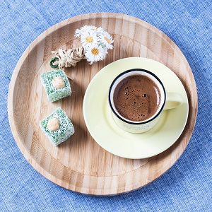 Turkish coffee with delights