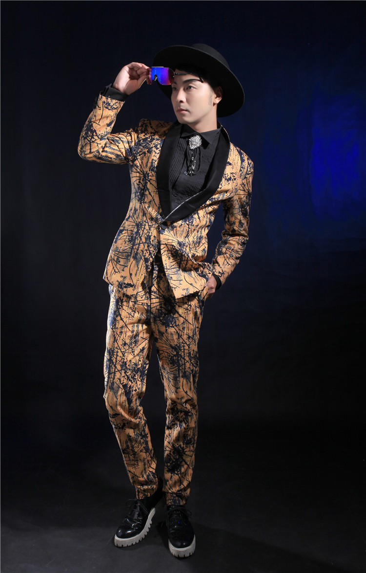 7701bd3c44b32 Fashion Gold Printing Slim Suits For Men Casual Male Singer Stage  Performance Suit Blazer Pants Set Ds Costume Clothing Sets-in Chinese Folk  Dance ...