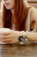 мода браслет три слоя имитация Perl staring браслет цветок браслет бесплатная доставка
