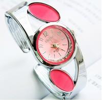 горячий продавать бесплатная доставка моды нью кварцевые браслет часы для женщин много цветов имеющиеся