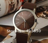 новый кварцевые часы, классические часы человек