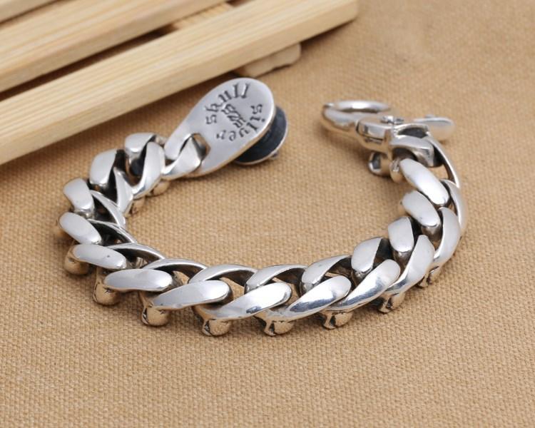silver-skull-bracelet01b