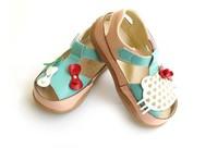 бесплатная доставка! дети обувь для летней девушки новое поступление клубника котенок кукла принцесса девушки сандалии дети туфли широкий