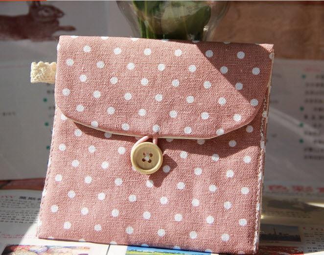 50 шт. бесплатная доставка в дорогу санитарно вариант хранения корейский милые девушки гигиенические салфетки большой сумка для хранения