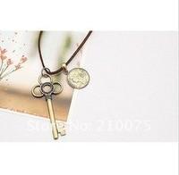 очаровательная королевы портрет монета ключ ретро древних necklece горячая распродажа свитер цепочка с ожерелье подарок бесплатная доставка e4263