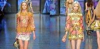 бесплатная доставка топ мода барокко насыщенный красный ковер женская весна / лето платье стильный подиум платья ss12001